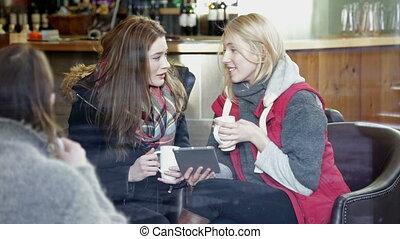 tablette, deux, numérique, utilisation, café, femmes