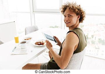 tablette, gai, informatique, utilisation, beau, homme