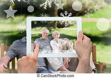 tablette, image composée, pc, tenant mains