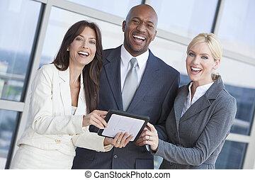 tablette, mannschaft, edv, geschäftsmann, gebrauchend, geschäftsfrauen