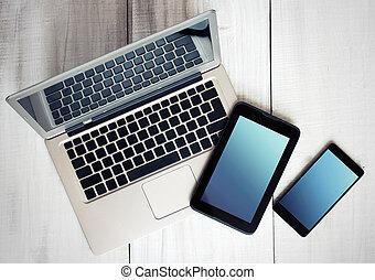 tablette, ordinateur portable, wood., téléphone, appareils, numérique, électronique
