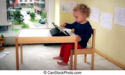 tablette, séance, pc, petit, chaise, agréable, table., jouer, gosse