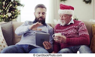 tablette, séance, sofa, père, fils, time., adulte, maison, personne agee, noël