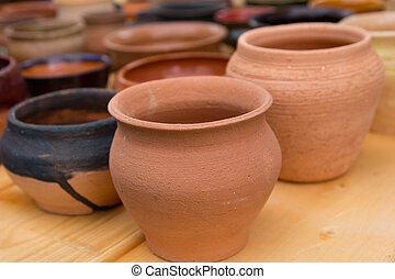 tableware made ??of clay