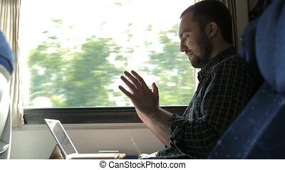 tabliczka, istota, o, usatysfakcjonowany, podniecony, człowiek, kontrola, praca, result., pociąg