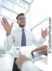 tabliczka, palcowe tło, up.businessman, biuro, zamknięcie