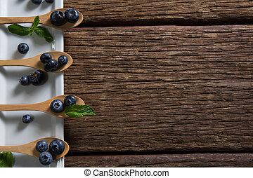 taca, drewniany, borówki, mennica, łyżka, załatwiony