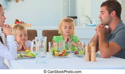 tafel, gezin, biddend