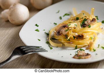 Tagliatelle with Mushrooms - Tagliatelle with Champignon ...