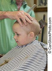 taglio capelli, primo