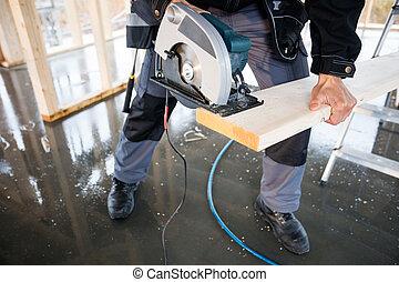 taglio, elettrico, sezione, carpentiere, legno, basso, usando, sega