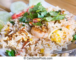 tailandés, arroz frito, con, camarones