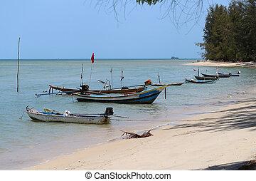 tailandés, barco, en, el, orilla de mar