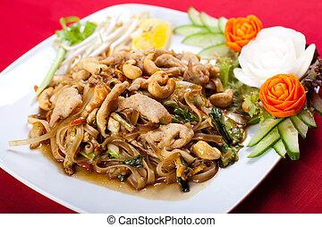 tailandés, estilo, fideo, revolver fríen
