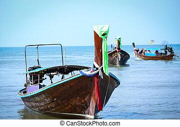 tailandés, seguir mucho tiempo, barco