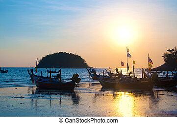 tailandia, ocaso, barco, en, costa
