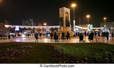 taksim square at istanbul 5