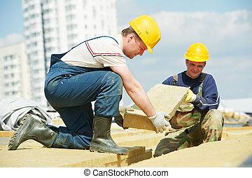 taktäckare, arbetare, installera, tak, isolering, material