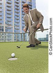 taktopp, affärsman, leka, skyskrapa, golf, framgångsrik