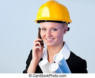 talande, kvinnlig juryordförande, ringa