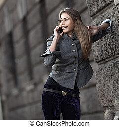 talande, mobil, ung, ringa, dam, lycklig