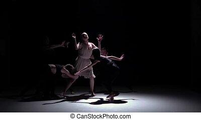 talanted, danse lente, danseurs, contemporain, mouvement, cinq, performance, noir, ombre