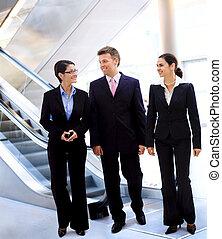 talking, businesspeople