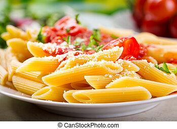 tallrik av, penne, pasta