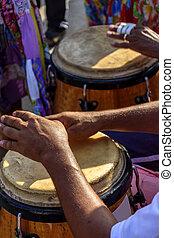 tambor, jogador, mãos, e, instrumento, em, samba, performace