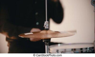 tambours, couverture, jouant musique, homme, bande