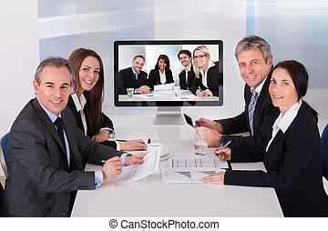 tanácskozás, video, csoport, businesspeople