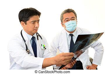 tanácskozik, együtt, orvosok