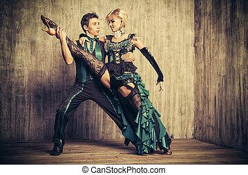 tancerze, pełen wyrazu