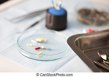 tandkundig gereedschap, en, uitrusting