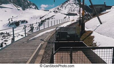 tandrad, besneeuwd, trein, alpen, zwitserland, railway.,...