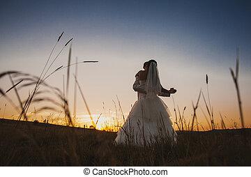 taniec, poślubna para