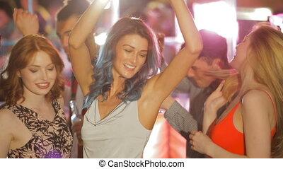 taniec, przyjaciele, nightclub