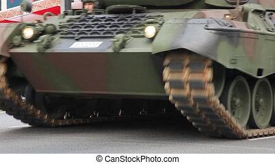 tank passed ceremonial, shoot Canon 5D Mark II