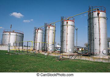 tanques de almacenamiento, aceite