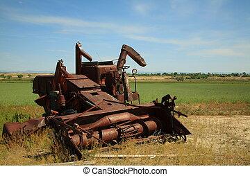 tanya, elhagyatott, gépezet
