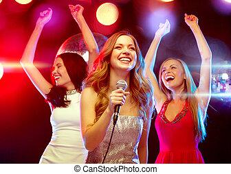 tanzen, drei, lächeln, singende, karaoke, frauen
