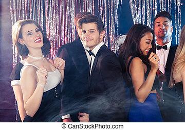 tanzen, friends, nachtclub