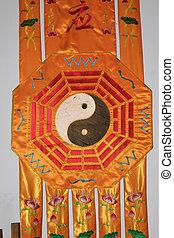 taoísta, chino, signo amarillo, diseño, seda