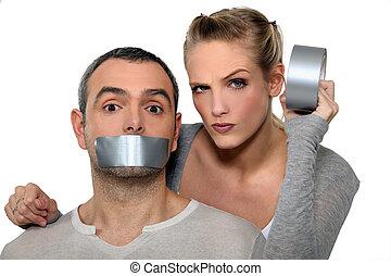 taping-up, mujer, boca, cubrir