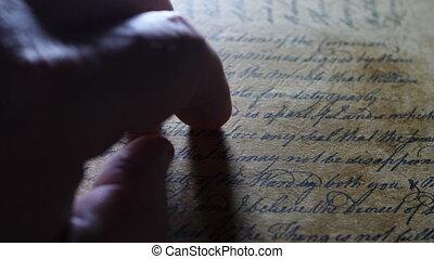 tapotement, vieux, doigts, lettre