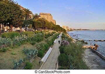 Taranto - Il lungomare - Veduta del lungomare Vittorio ...