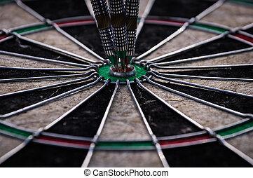 tarcza, strzały, dartboard, trzy, strzałka, utrafiając, środek