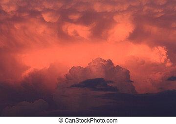 tarde, nubes de la tormenta