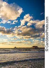 tarde, nubes, golfo, méxico, pesca del excedente, muelle, ...
