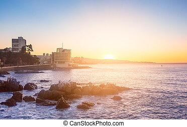 tarde, vista, de, valparaiso, bahía, en, vina, mar. de supr, chile